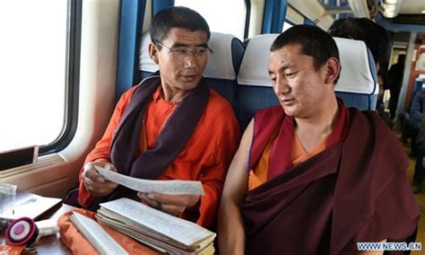 Tibetans take train home after pilgrimage or travelling[6